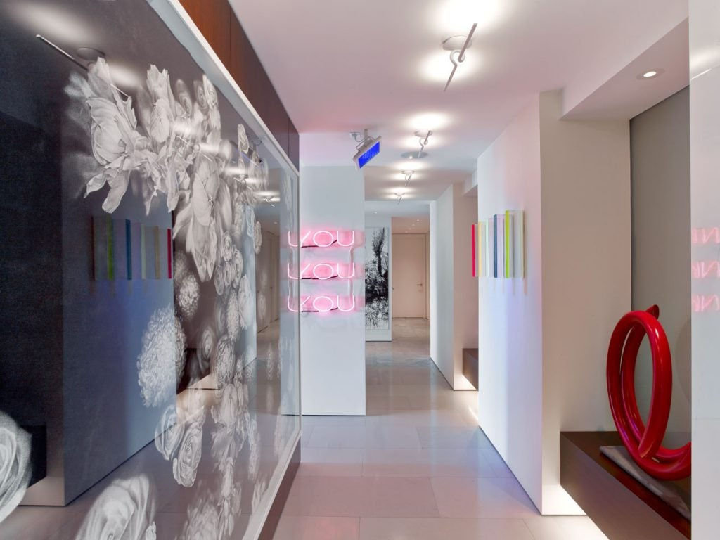 Hariri & Hariri Architecture Manhattan apartment art gallery