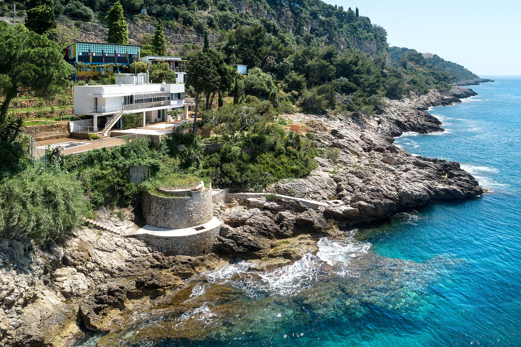 Eileen Gray's E-1027 and Le Corbusier's Holiday Cottages