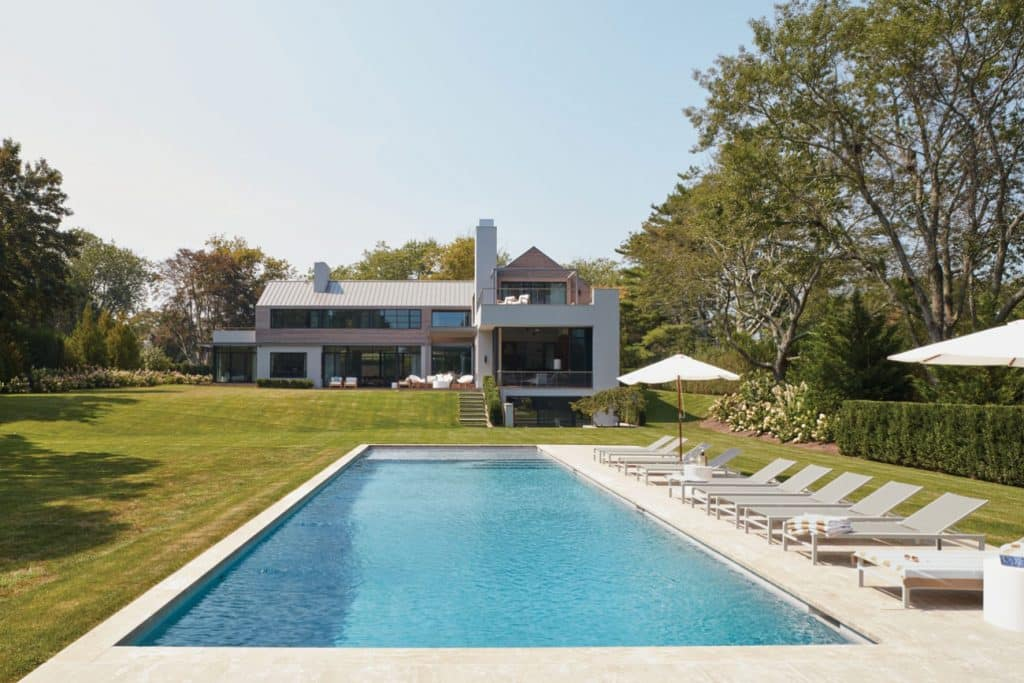 FormArch New York architecture and design firm Amagansett House Long Island Hamptons exterior pool