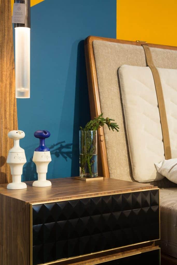 A Re nightstand, designed by Raúl de la Cerda, and a Juskani Alonso bed