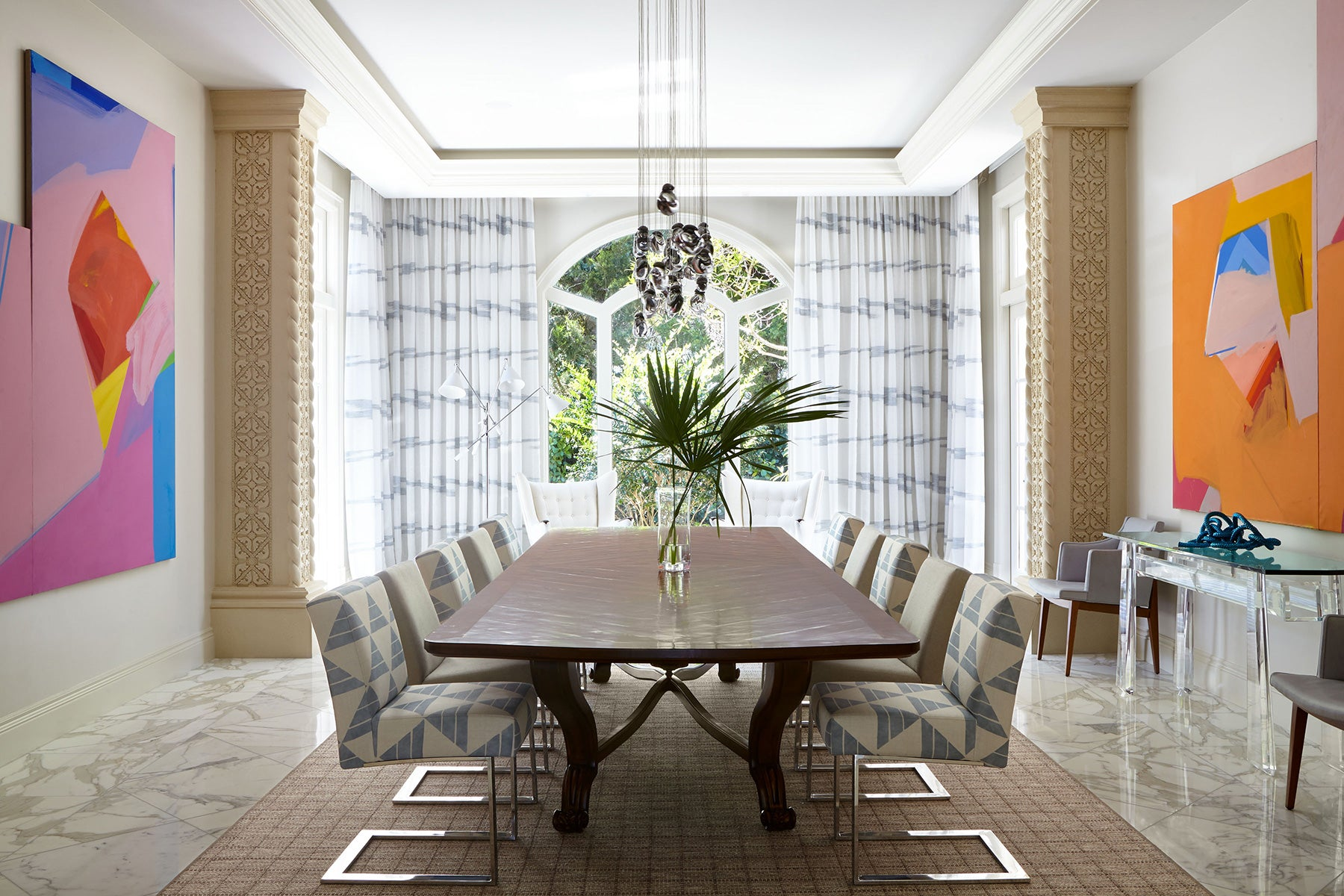 A dining room in Jupiter, Florida, designed by Frampton Co.