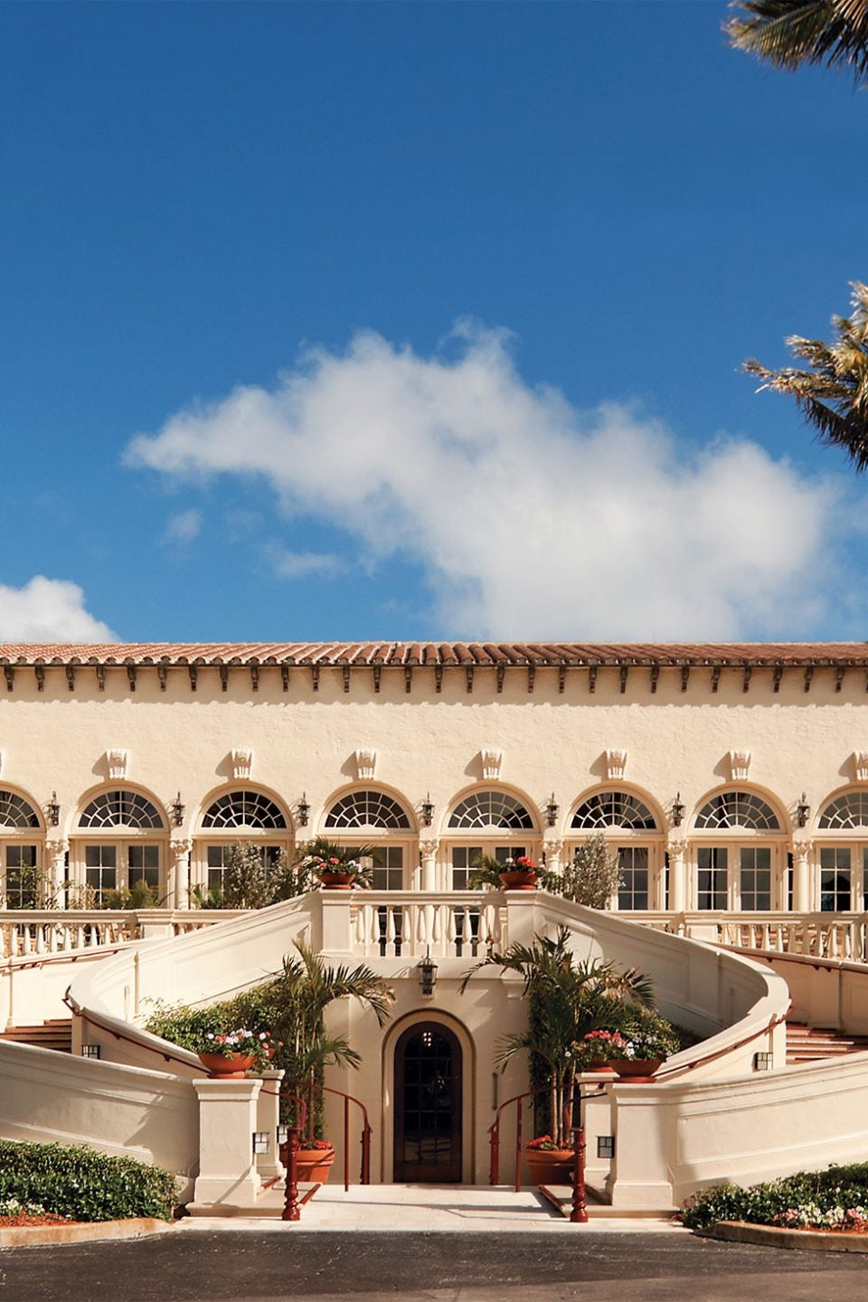 How Addison Mizner Invented the Palm Beach Style of Architecture