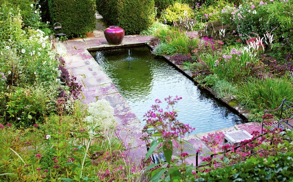 The pool at Hollister House Garden, photographed by Tim Street-Porter.